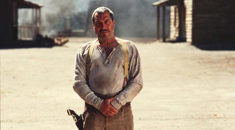 Sancho Gracia en el poblado de Tabernas (Almería), en un fotograma de 800 balas.