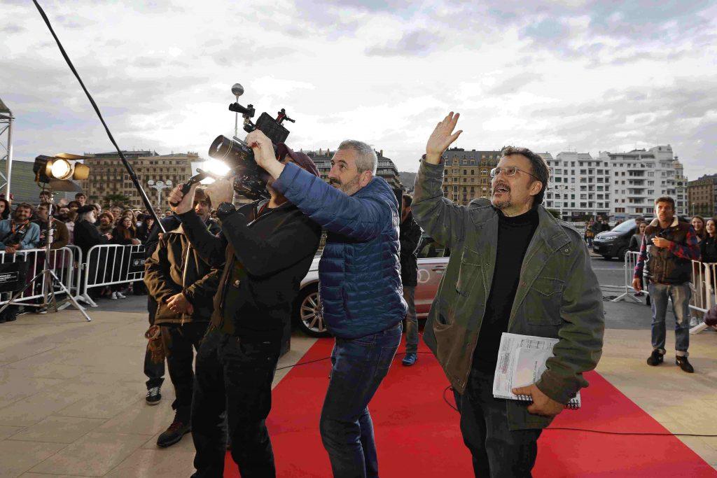 Antonio Cuadri en un momento del rodaje de 'Operación Concha', en una de las escenas que representan el Festival de San Sebastián