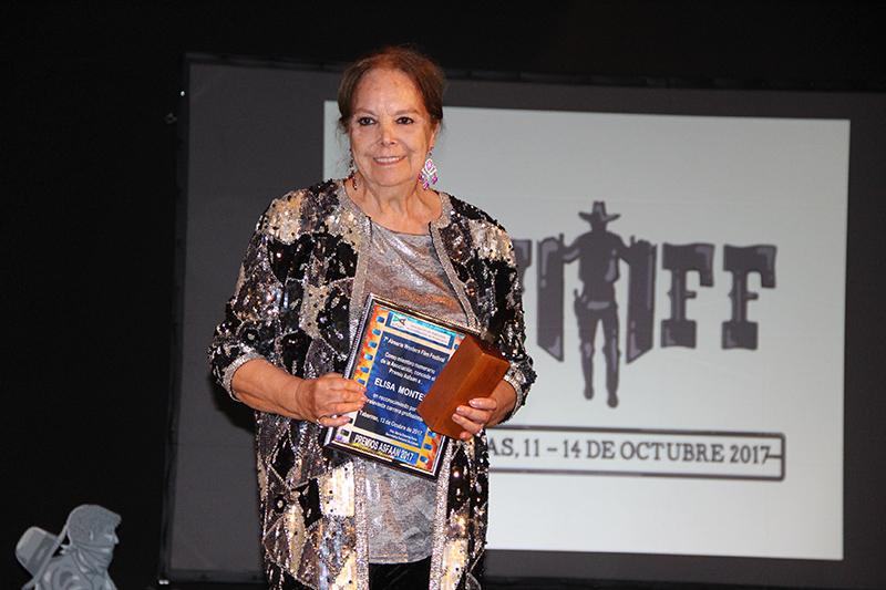 La actriz Elisa Montés, premio ASFAAN en el Almería Western Film Festival