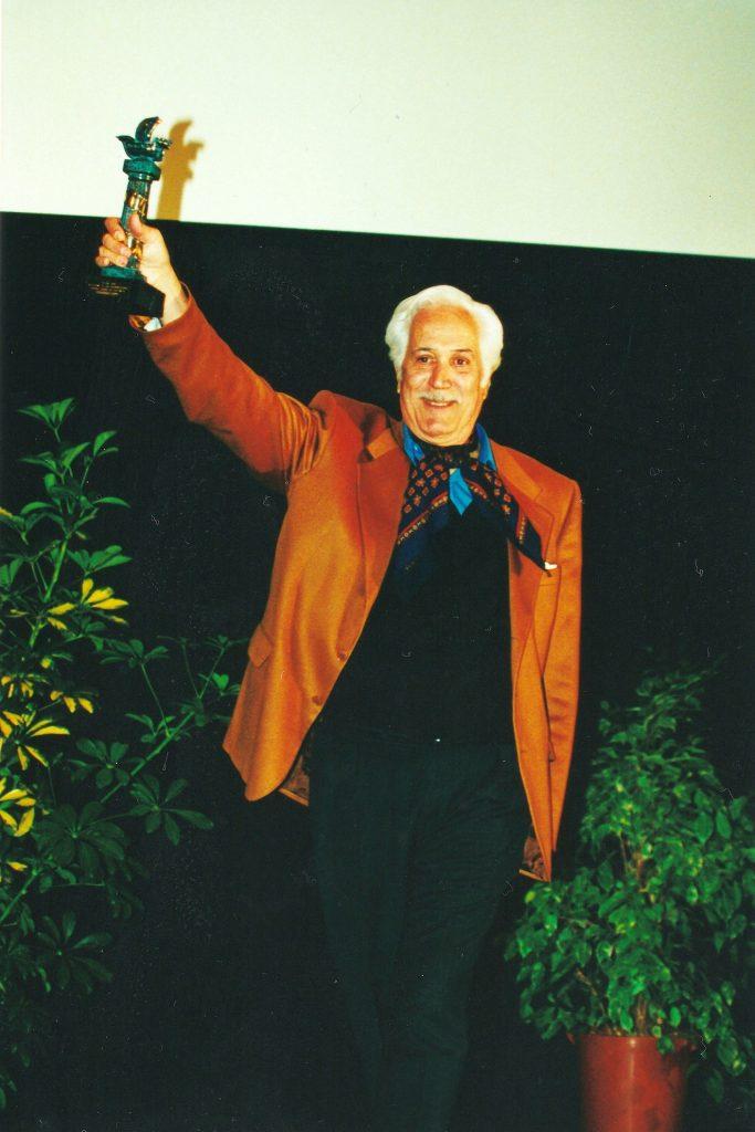Federico Luppi agradeciendo el Premio Ciudad de Huelva en 2000