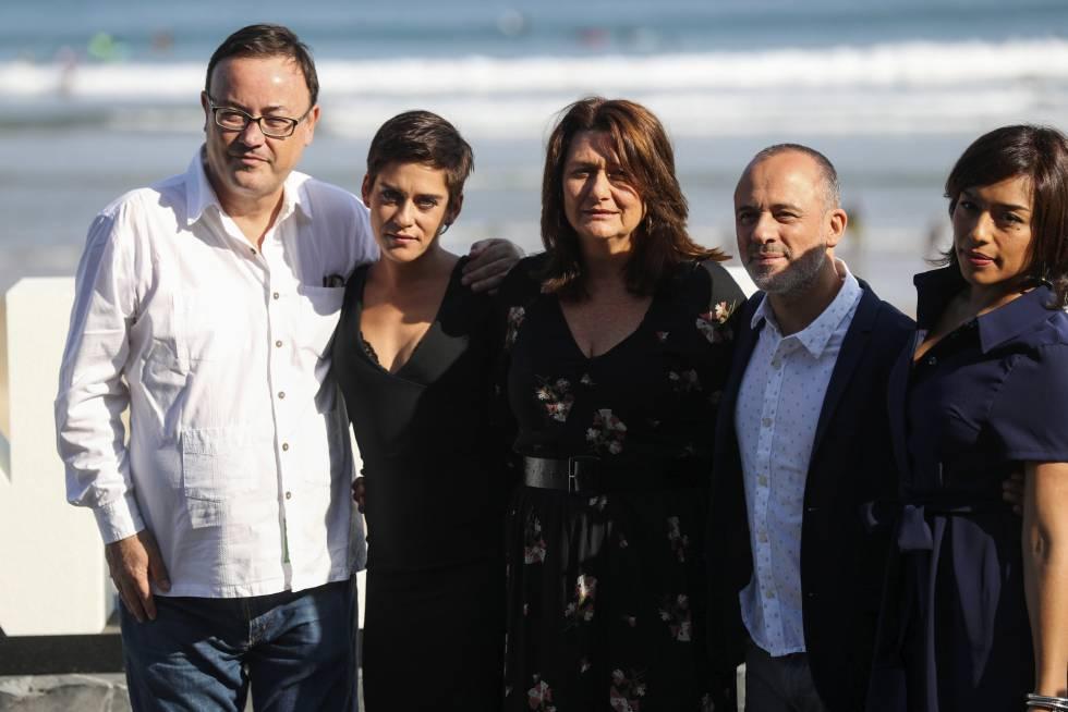 Adelfa Calvo (en el centro), junto al equipo de 'El autor', en el Festival de San Sebastián.