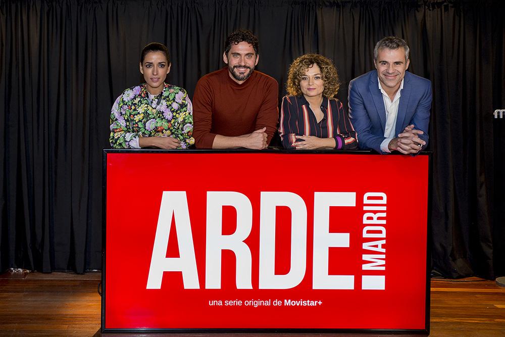 Inma Cuesta, Paco León, Anna R. Costa y Domingo Corral, en la presentación de 'Arde Madrid'