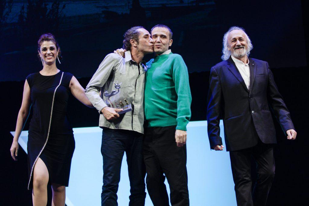 Lino Escalera recoge el Segundo Premio Ópera Prima por 'No sé decir adiós'