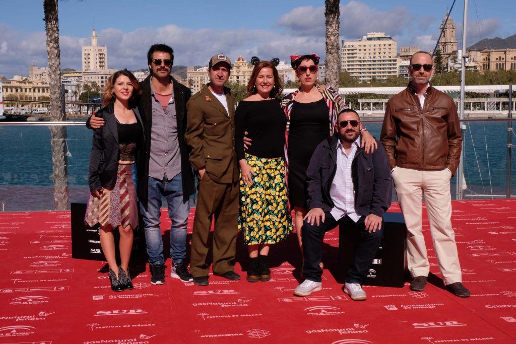 Posado del equipo de 'El intercambio' (Ignacio Nacho), una de las producciones andaluzas estrenadas en la pasada edición del Festival de Málaga.