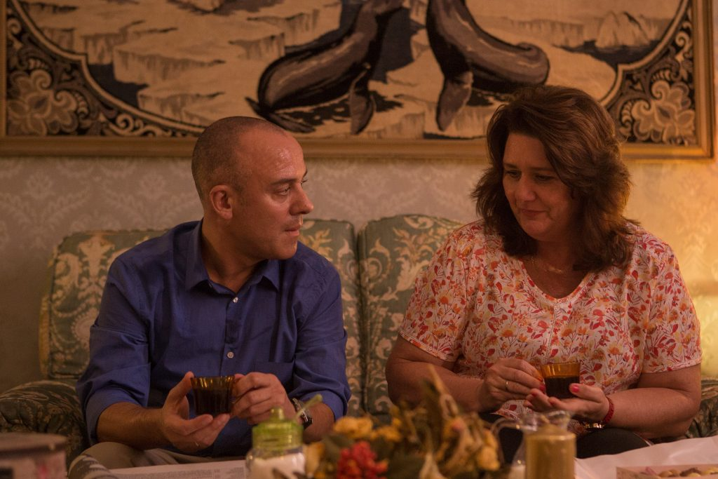Javier Gutiérrez y Adelfa Calvo en un fotograma de 'El autor'