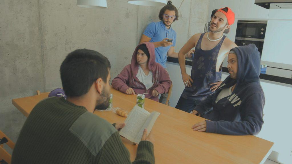Una escena del segundo episodio de la webserie Philo Show.
