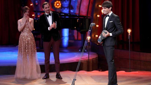 Eneko Sagarduy recoge el Goya al Mejor Actor Revelación. Foto: RTVE