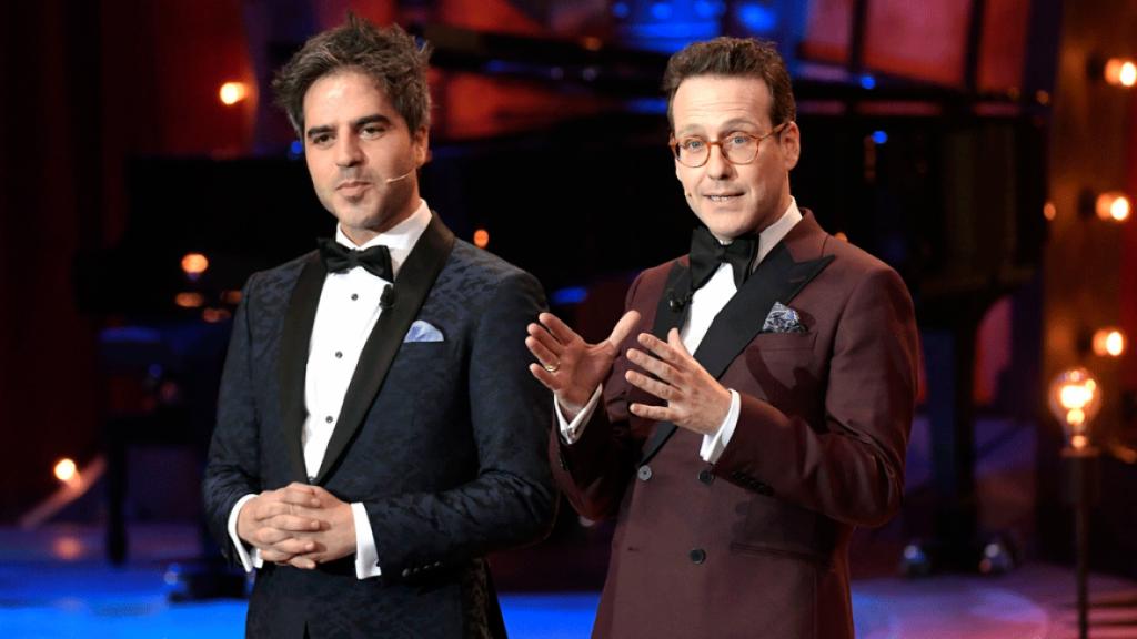 Ernesto Sevilla y Joaquín Reyes, presentadores de la gala, durante un momento de la misma. Foto: RTVE