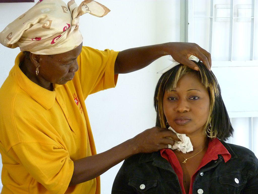 La actriz Alimata Ouédraogo durante un rodaje de Yaméogo