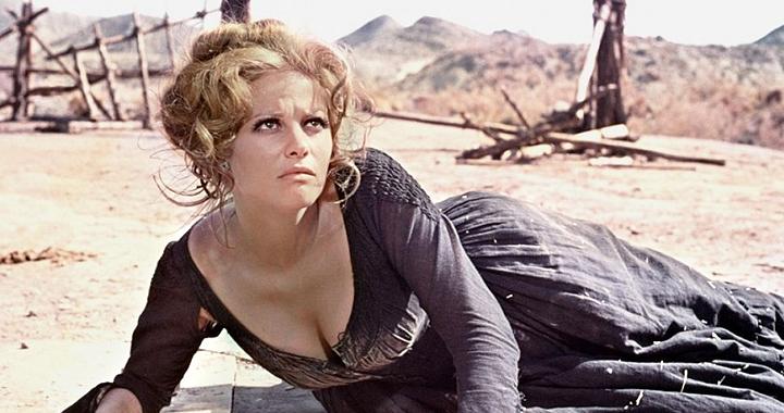 Claudia Cardinale en 'Hasta que llegó su hora' de Sergio Leone.