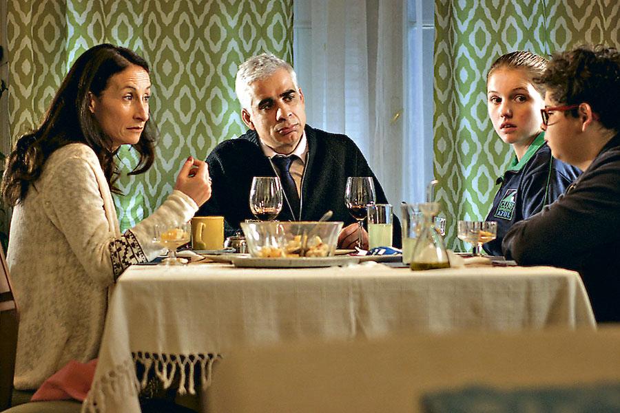 Escena de la comedia iberoamericana '¿Cómo andamos por casa? de Boris Quercia.