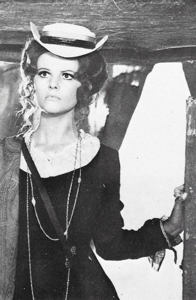 Claudia Cardinale en Hasta que llegó su hora.