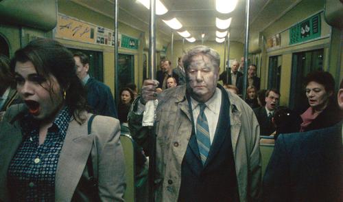 Escena de una película de la trilogía de la vida de Roy Andersson.