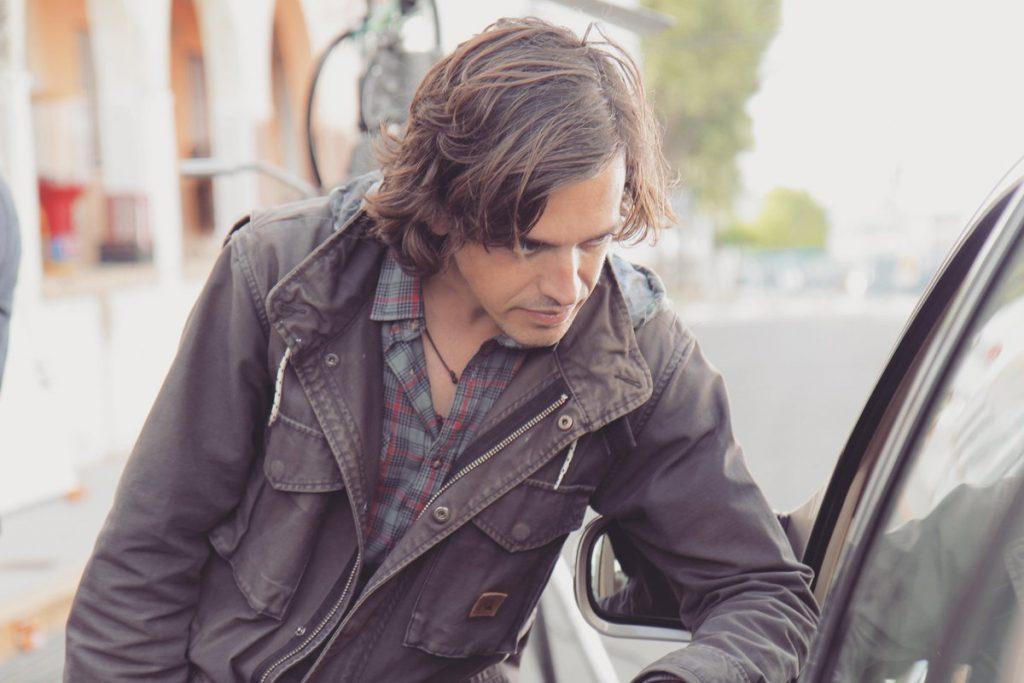 El director Nicolás Pacheco durante el rodaje de 'Jaulas'.