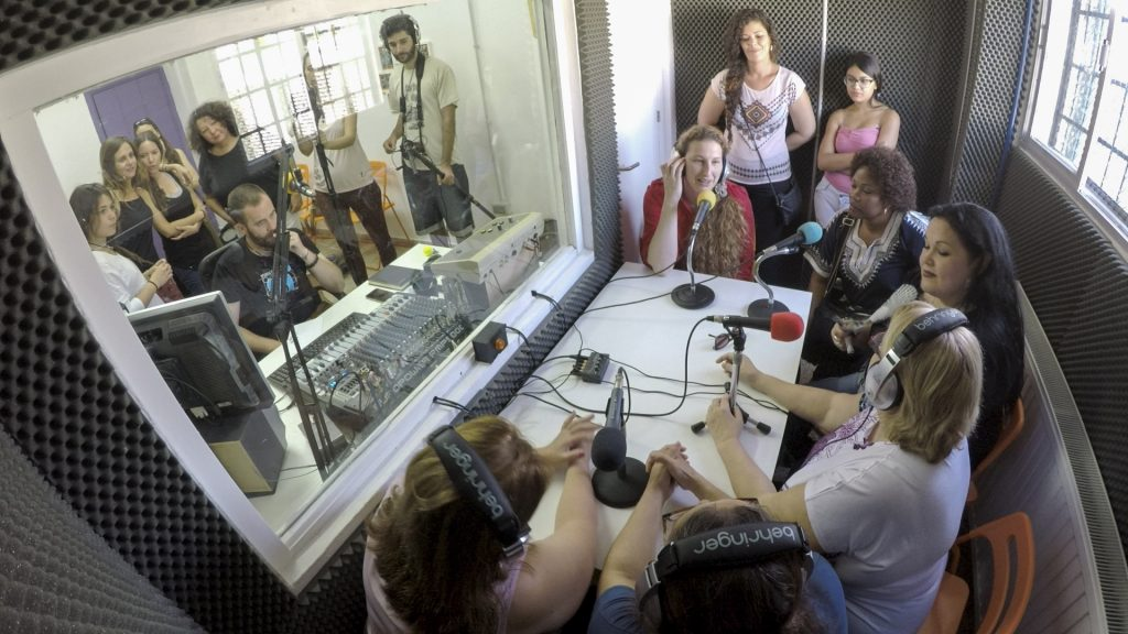 Escena de 'Reporteras de buen rollo'.