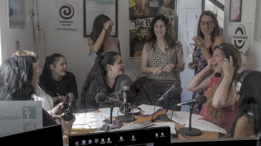 Escena del documental 'reporteras de buen royo' de Guillermo García.