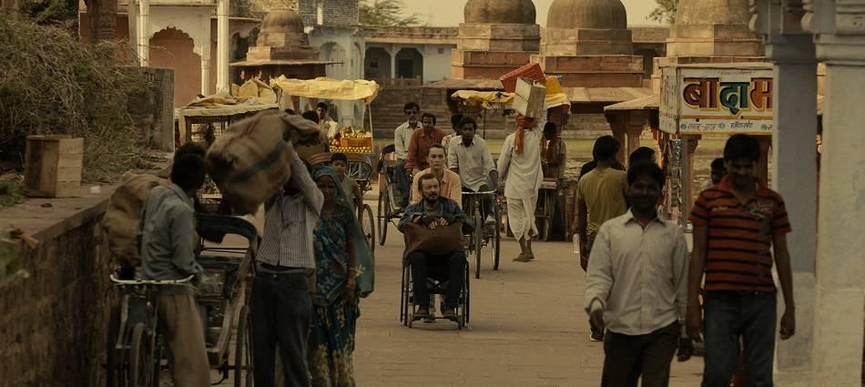 Escena de 'Anochece en la India'.