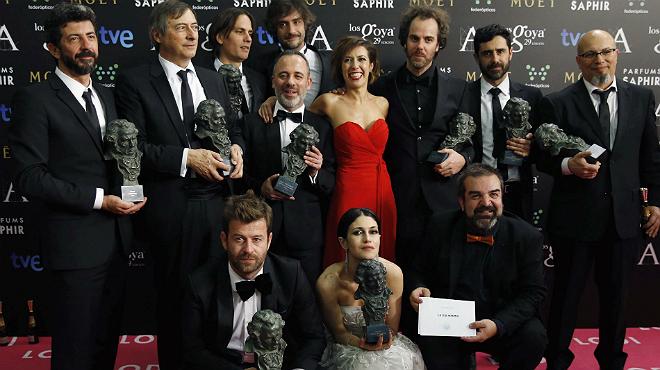Gran parte del equipo de 'La isla mínima' posa en el photocall de los Goya con sus 10 galardones