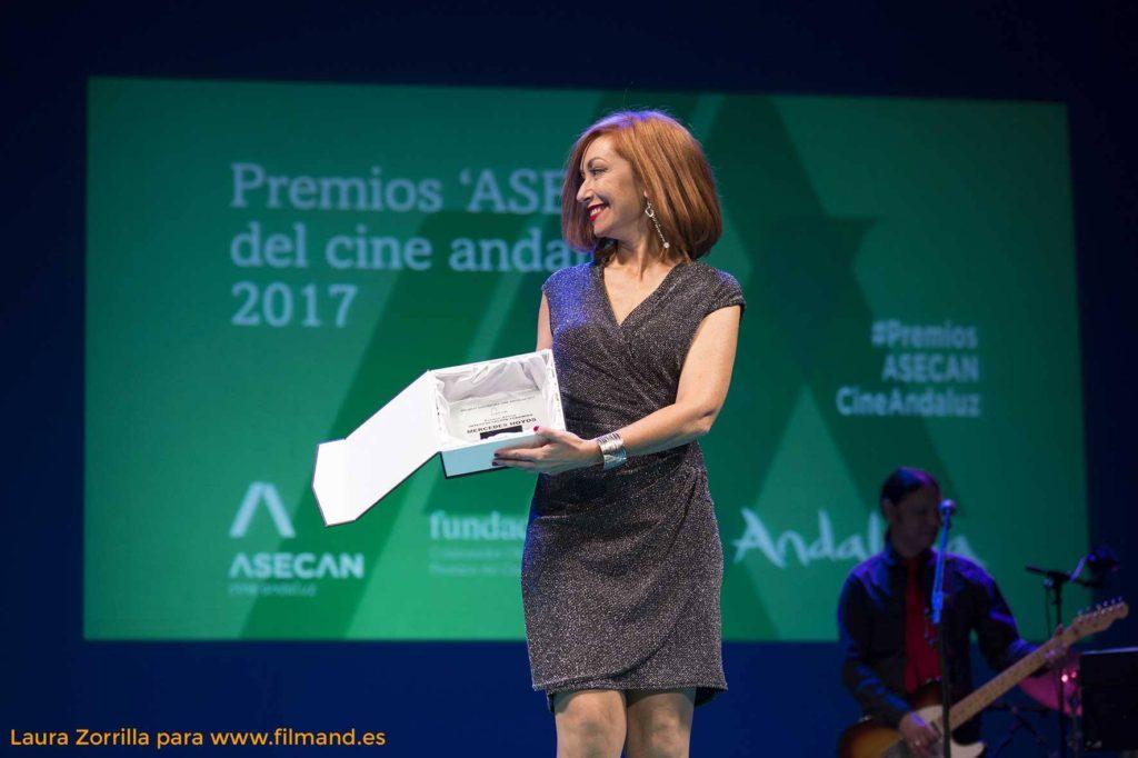 Mercedes Hoyos recoge el Premio ASECAN Interpretación Femenina por su papel en 'Todo saldrá bien'
