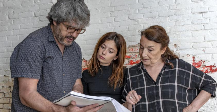 David Martín Santos, Anna Castillo y Petra Martínez en un momento del rodaje de 'La vida era eso'. Aún no se han desvelado otras imágenes de la película.