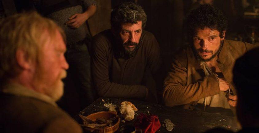 El director Alberto Rodríguez durante el rodaje de 'La Peste'