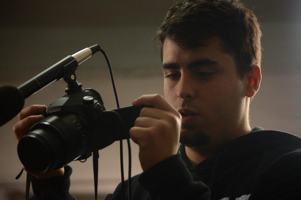 Esteban Díaz durante el rodaje de Perros Verdes.
