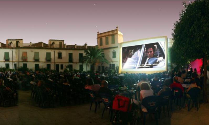 Cines De Verano De Andalucía Salas Entre La Arena Y Las Estrellas